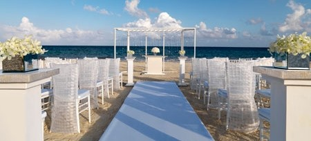 palace resorts and internationally acclaimed celebrity event designer colin cowie have revolutionized the destination weddings industry with their newly