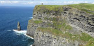 Globus' Ireland tours visit the country's famous cliffs