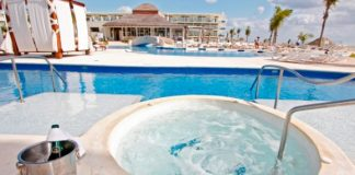 Premium Jacuzzi Swim-Up Suites at Azul Sensatori, by Karisma.