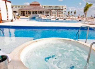 Premium Jacuzzi Swim-Up Suites at Azul Sensatori, by Karisma.