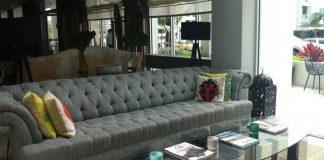 Surfcomber lobby, kimpton hotel