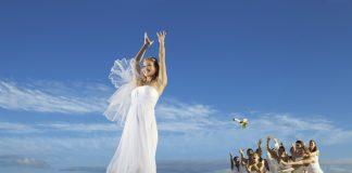 Wedding day beachside fun at Now Amber Puerto Vallarta