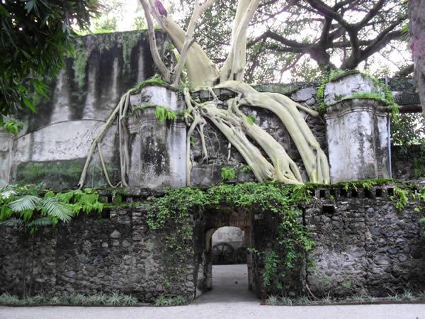 Haciendes de Cortes' impressive grounds in Cuernavaca.