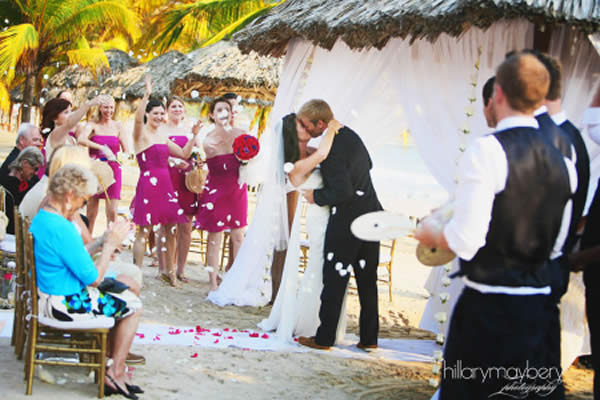 Ceremony at La Marea at Vicerpy Zihuatanejo