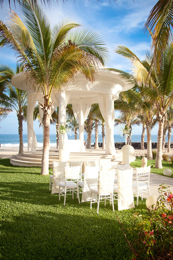 Beautiful gazebo setting in Barcelo Los Cabos.
