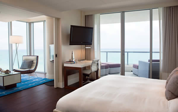 Ocean Tower Corner Suite
