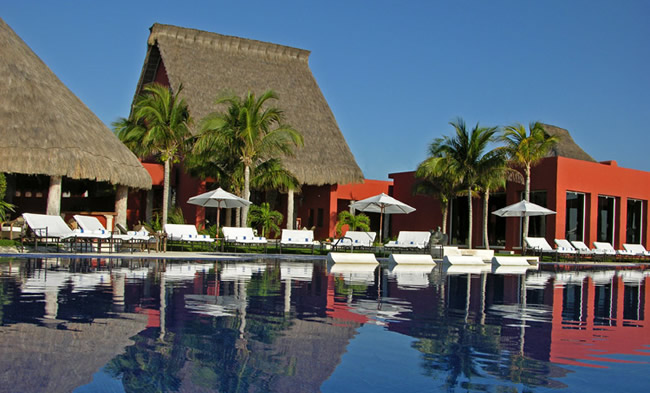Zoetry Paraiso de la Bonita Riviera Maya. (Photo courtesy of Zoetry Wellness & Spa Resorts.)
