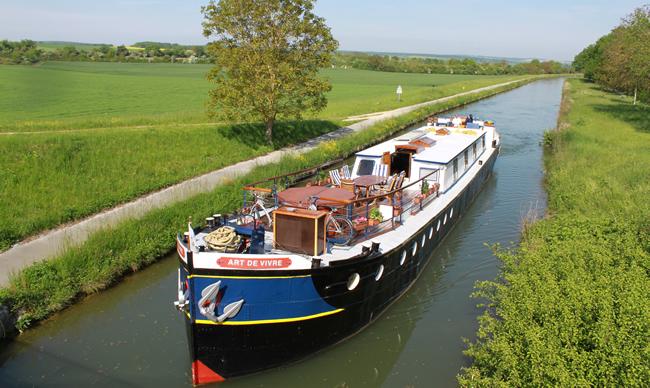 L'Art de Vivre Cruising-European Waterways