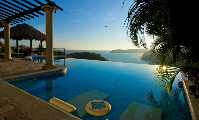 Las Palmas Resort in Huatulco.