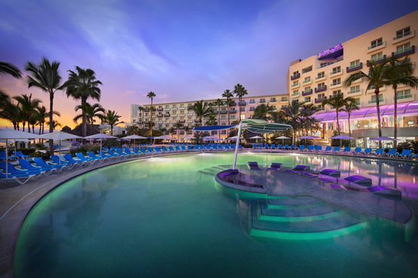 One of the two main pools at the Hrad Rock Hotel Vallarta.