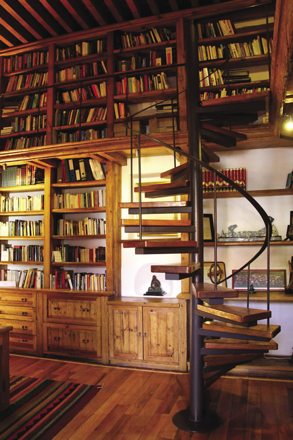The 3,000-book library at La Quinta Luna in Cholula.
