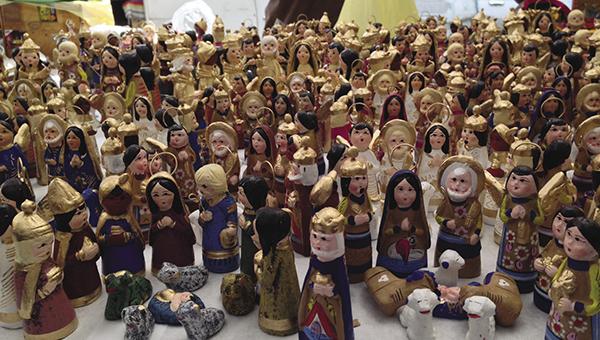 Handicrafts come in all forms at the Bazaar del Sabado.