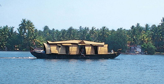 Kumarkom houseboat. (Photo courtesy of Graves Tours.)