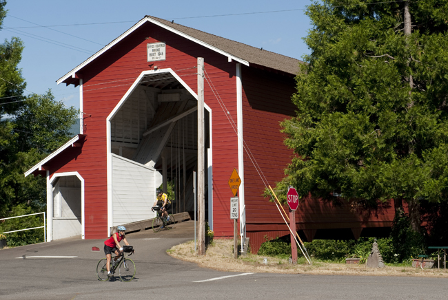 Explore Oregon by bike. (Photo credit Bicycle Adventures.)