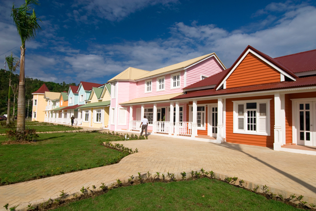 Colourful houses on the Samana waterfront. (Photo courtesy of Dominican Republic Ministry of Tourism.)