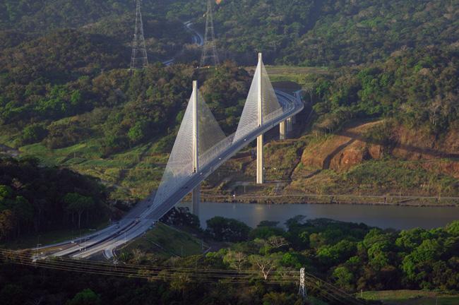 Panama Canal (photo credit: Panama Tourism Authority).