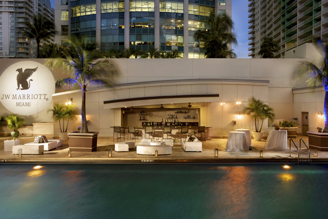 JW Marriott Miami's pool and bar.