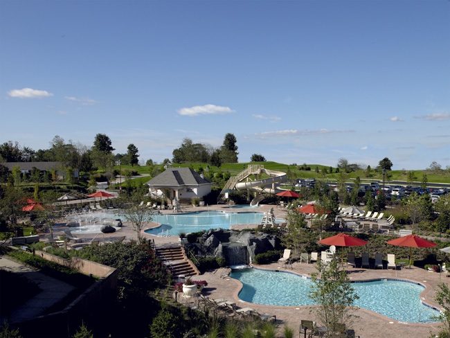 The pools at Lansdowne Resort. (Photo courtesy of Destination Hotels & Resorts.)