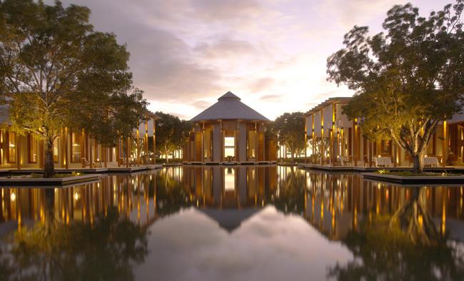 Amanyara's main reflecting pond.
