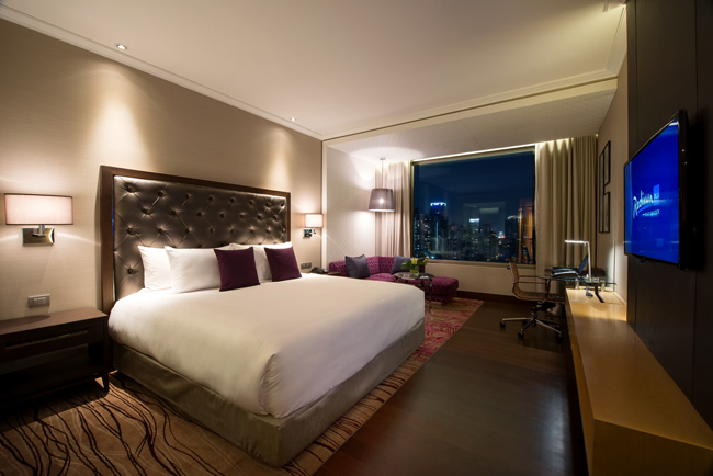 The Grand Delux Room at the Radisson Blu Bangkok.