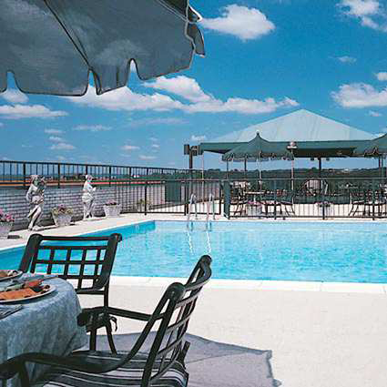 Rooftop pool at the Embassy Row Hotel. (Photo courtesy of Destination Hotels & Resorts.)