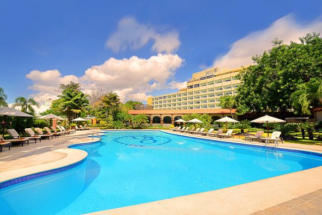 The pool at Occidental El Embajador.
