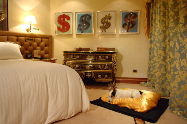 Rome Cavalieri, Waldorf Astoria Hotels & Resorts pampers pets with the VIP service.