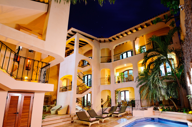 Mexico Boutique Hotels adds Acanto Boutique Hotel and three others to its list of properties.