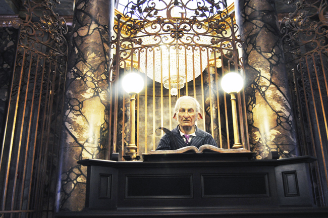 The main goblin at the Gringotts bank, which greets guests in lobby.