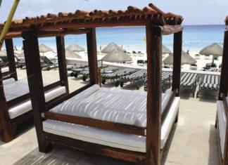 JW Marriott Cancun REsort & Spa daybed