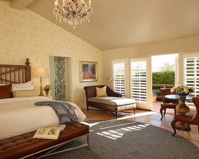 The Inn at Rancho Santa Fe in California offers agents special FAM rate and breakfast credit.