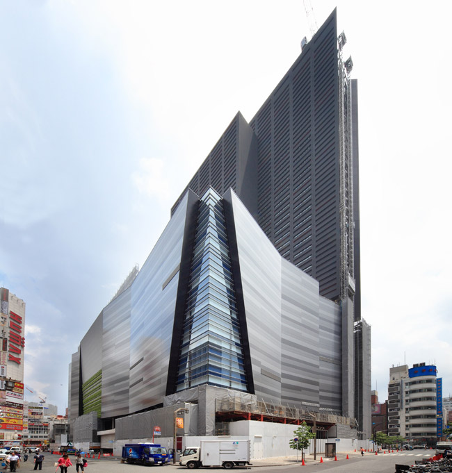 Hotel Gracery Shinjuku in Kabukicho opens in 2015.