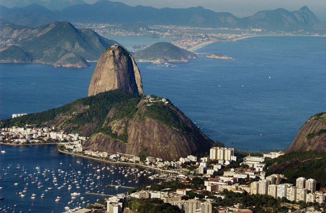Rio de Janeiro mountain and ocean views. (Photo creditL Sergio Ortiz.)