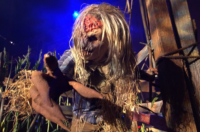 A frightening scarecrow at Halloween Horror Nights 24.