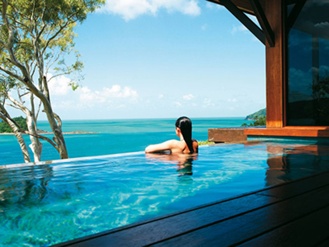 The plunge pool at the qualia Resort.