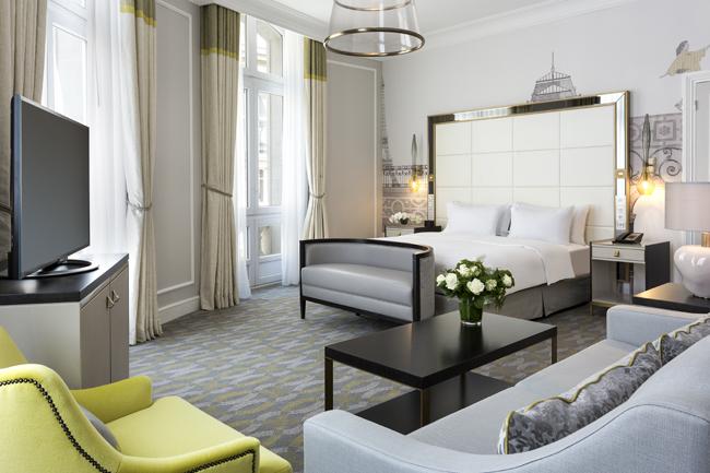 Hilton Paris Opera guestroom.
