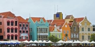 The Curacao canal houses. (Photo credit: Ed Wetschler.)