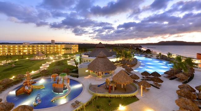 Experience IBEROSTAR's all-inclusive Premium Gold resorts.