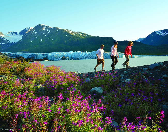 Glacier Discovery Train hiking.