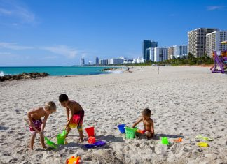 The Palms Do Good, Feel Good package involves guests in a beach cleanup.