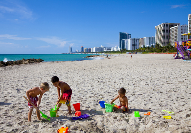 The Palms' Do Good, Feel Good package allows guests to participate in a beach cleanup.