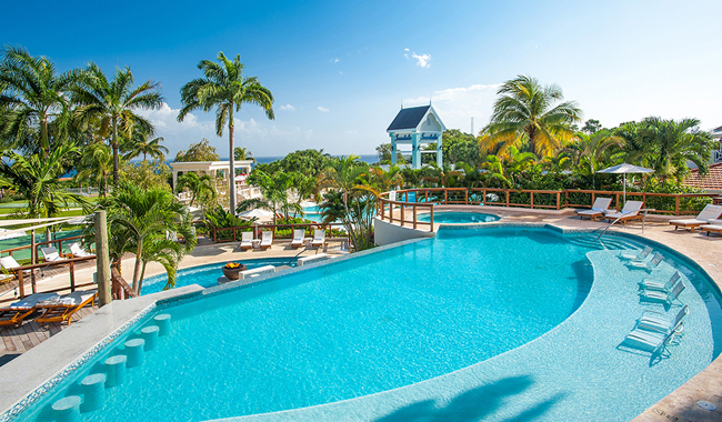 Sandals Ochi Beach Resort opens.