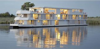 The Zambezi Queen.