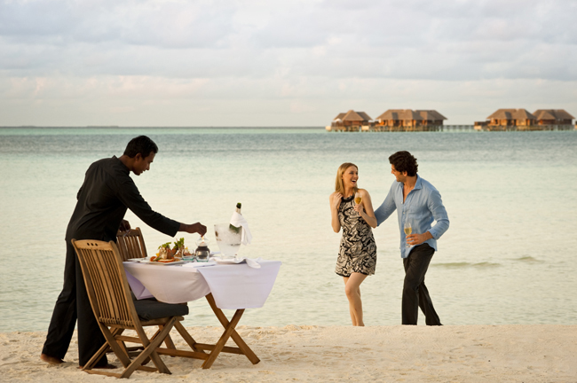Conrad Resort Maldives Privite Beach Dinner.