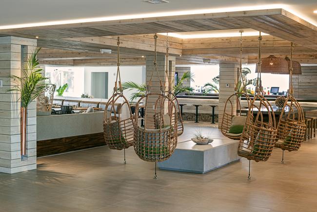 Lobby area.  Photo by: Juan Fernando Ayora / Lucky Frog Studios