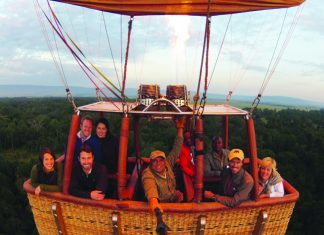Just a 30-minute drive from Angama Mara, Governor's Balloon Safaris offers hot air balloon rides.