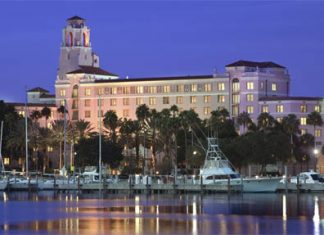 Celebrate the The Vinoy Renaissance St. Petersburg Resort & Golf Club's 90th anniversary with the 90 Years an Icon getaway package.