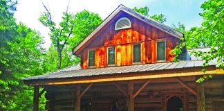 The Voyageur Quest Algonquin Log Cabin.