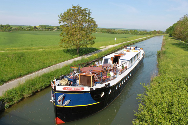 European WaterwaysandSilversea Cruises early booking discounts on2016 cruises end Dec. 31 and Dec. 10,respectively.