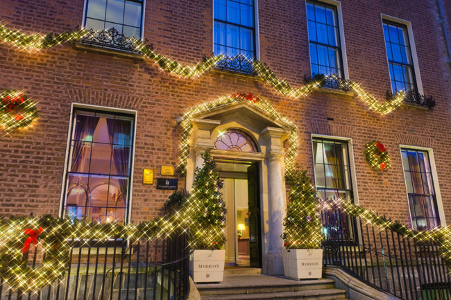 The Merrion Hotel in Dublin decorating the entire grounds of the hotel with garlands, wreaths and Christmas lights.